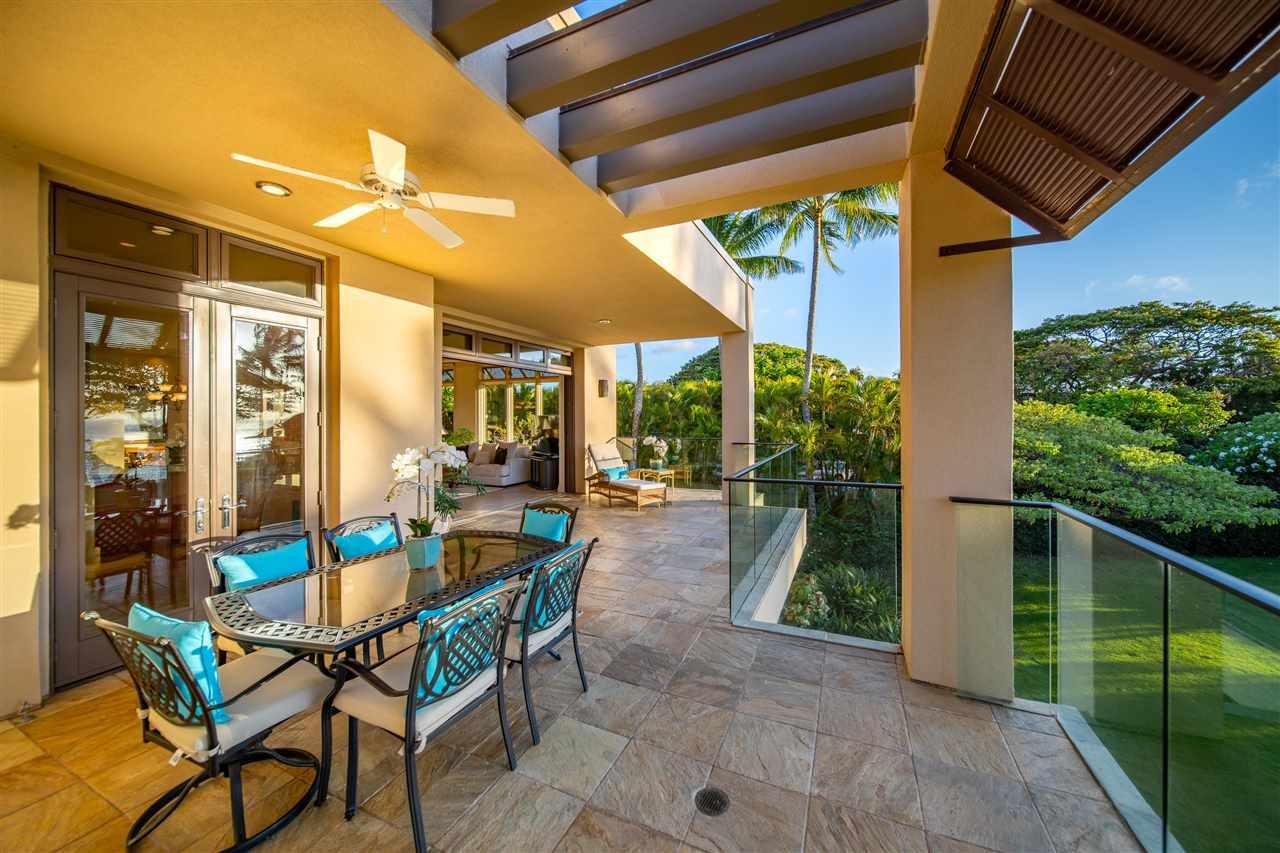 14 Coconut Grove Ln Property Photo 11