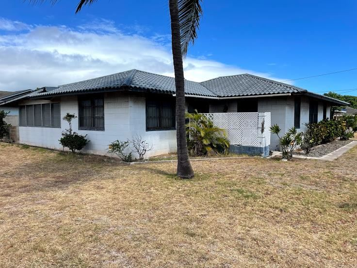 214 Lono Ave Property Photo