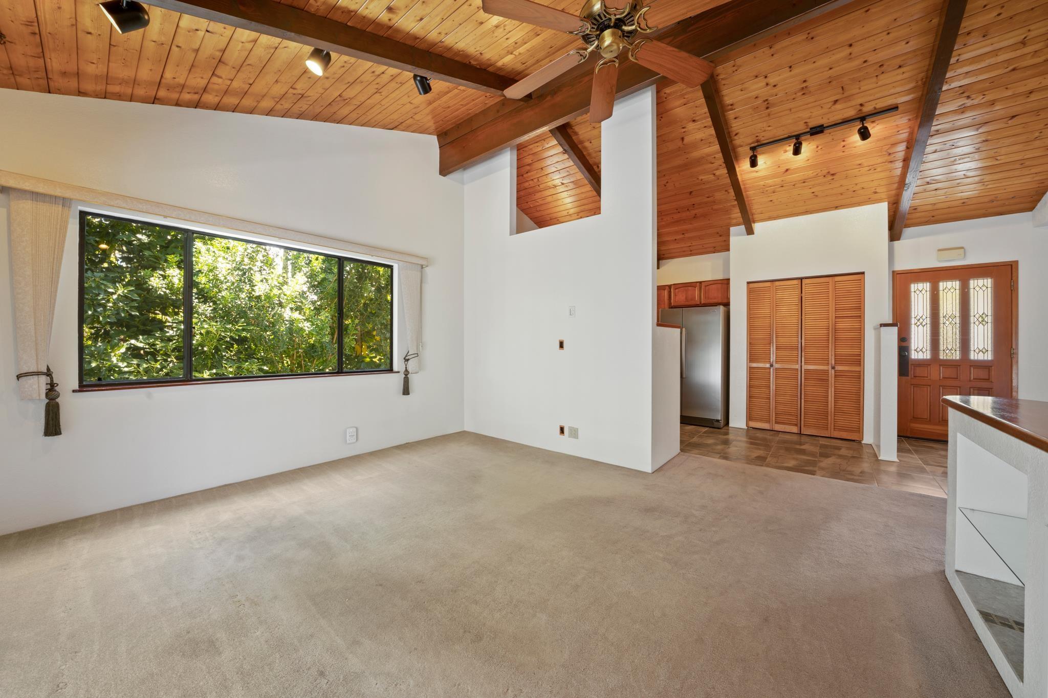 609 Loulu Way Property Photo 6