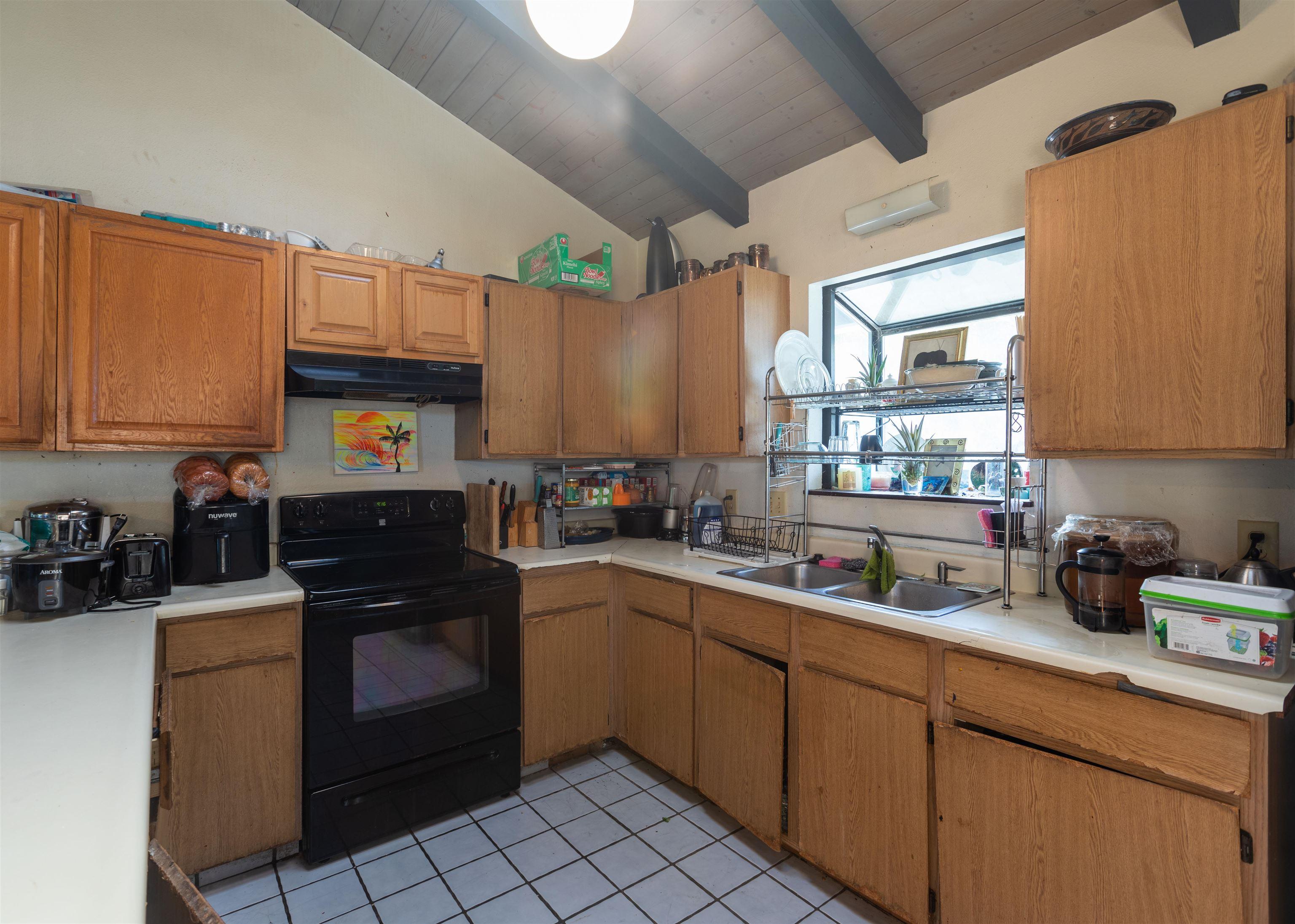 1001 Ulele St Property Photo 7
