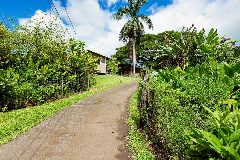 1040 Kaupakalua Rd Property Photo 6