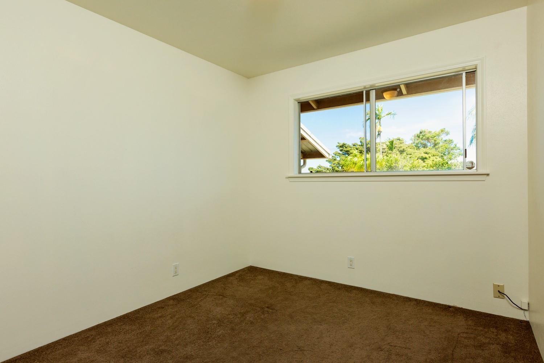 1040 Kaupakalua Rd Property Photo 20