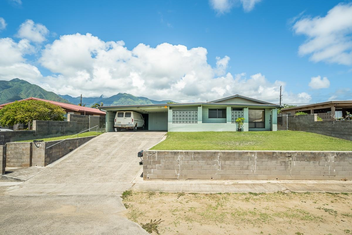 548 Waikala St Property Photo