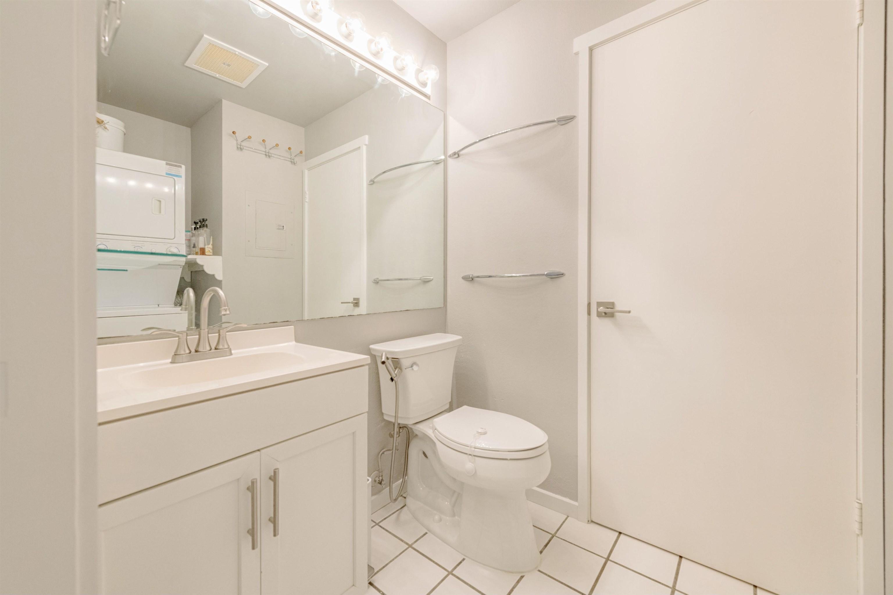480 Kenolio Rd Property Photo 11