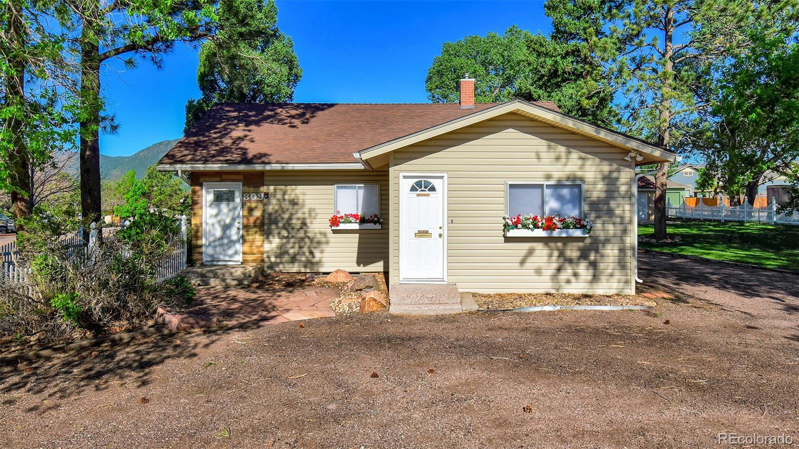 309 Woodworth Street Property Photo - Monument, CO real estate listing