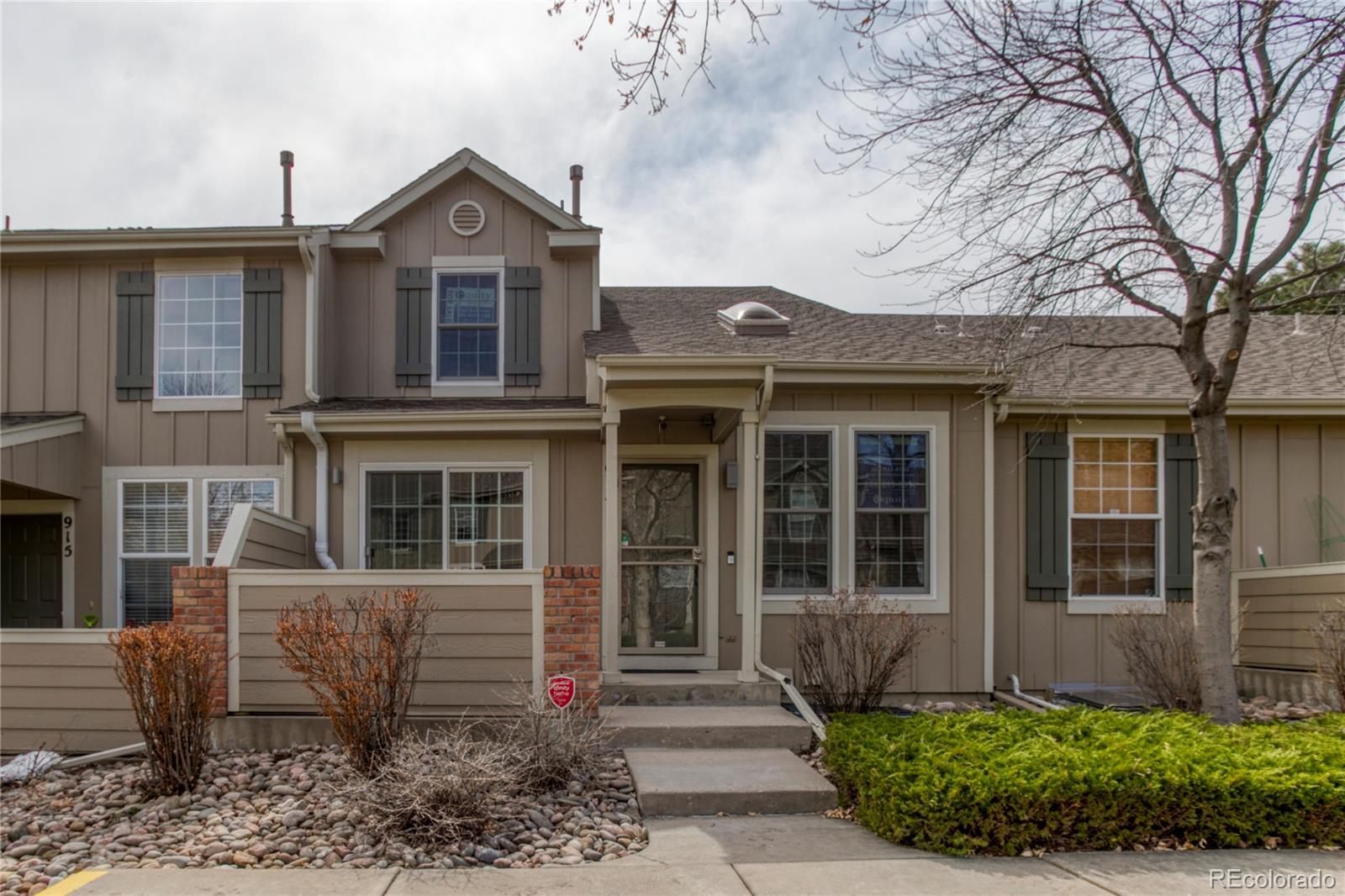 917 S Evanston Circle Property Photo - Aurora, CO real estate listing