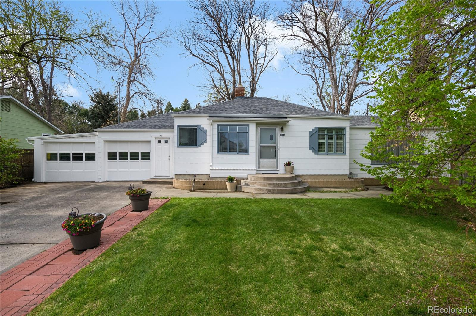 7815 Westview Drive Property Photo - Lakewood, CO real estate listing