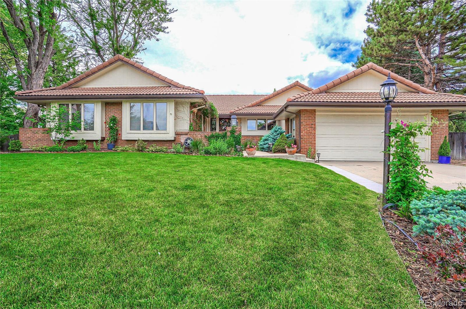 2155 S Owens Court Property Photo - Lakewood, CO real estate listing