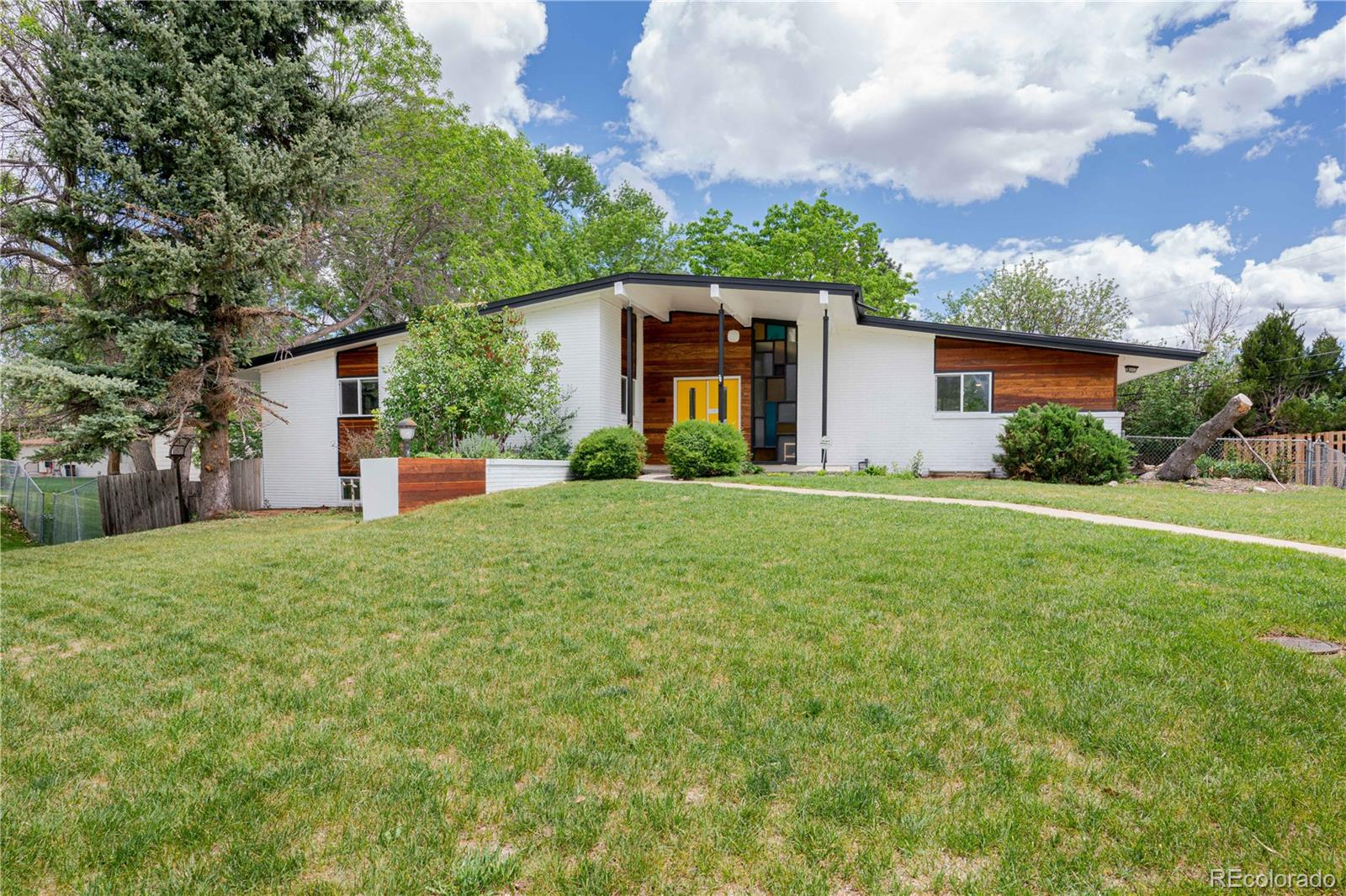 850 S Dover Street Property Photo - Lakewood, CO real estate listing