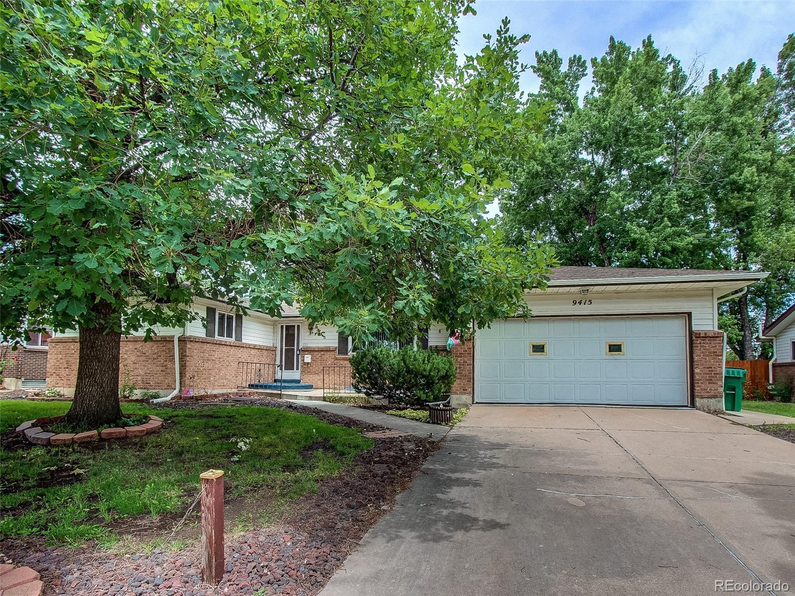 9415 W Kentucky Avenue Property Photo - Lakewood, CO real estate listing