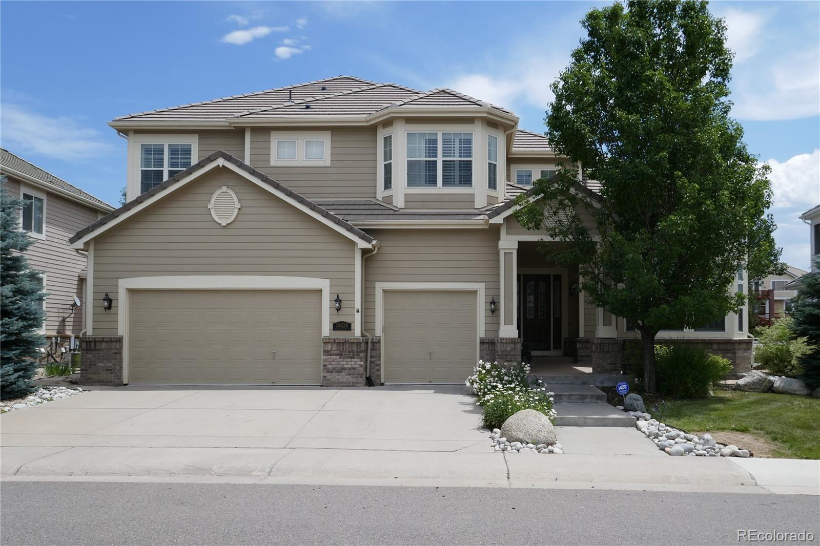 10438 Dunsford Drive Property Photo - Lone Tree, CO real estate listing