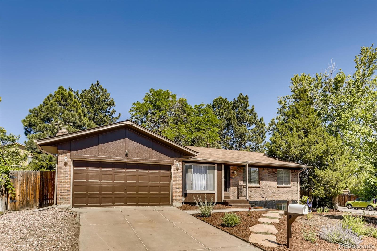 2609 S Pitkin Way Property Photo - Aurora, CO real estate listing