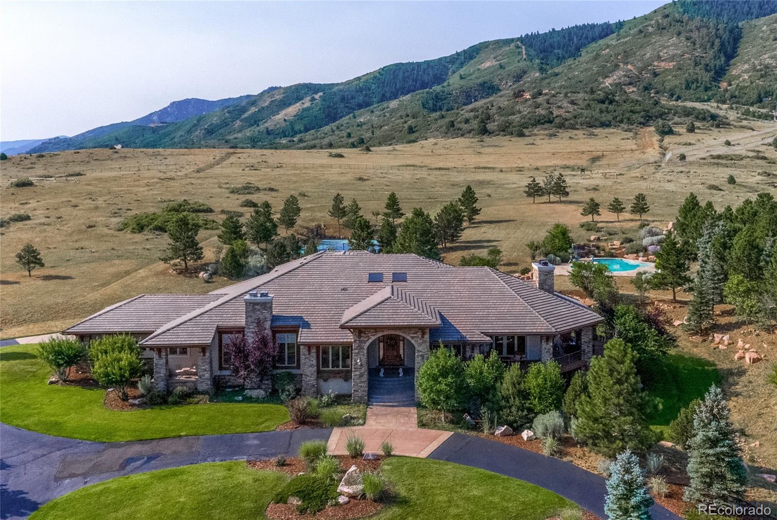 10058 Whistling Elk Drive Property Photo - Littleton, CO real estate listing