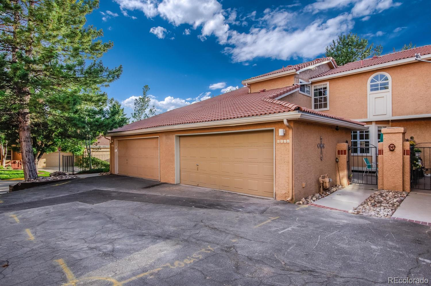 8746 Mesquite Row Property Photo - Lone Tree, CO real estate listing