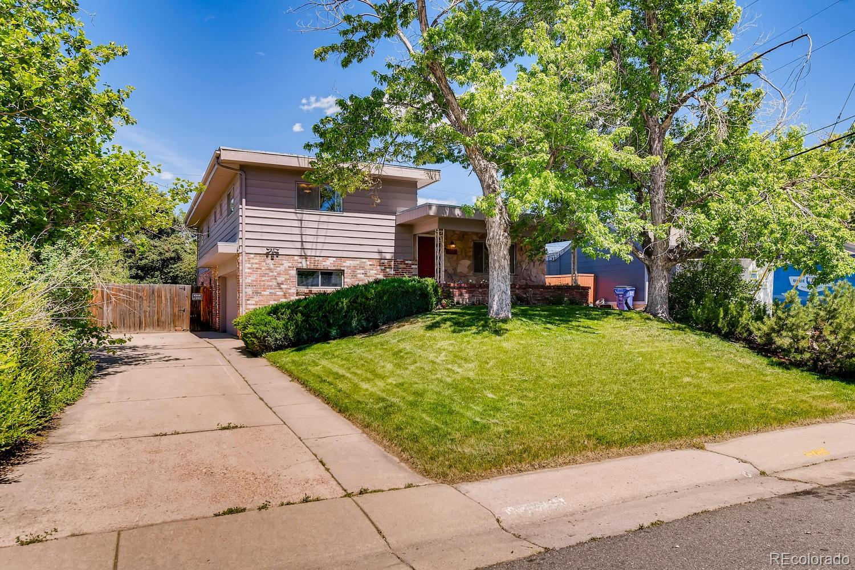 2992 S Grape Way Property Photo - Denver, CO real estate listing