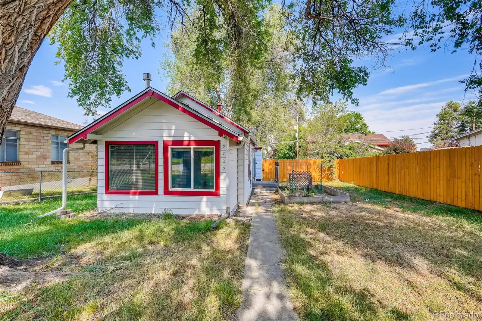 2422 Eaton Street Property Photo - Edgewater, CO real estate listing