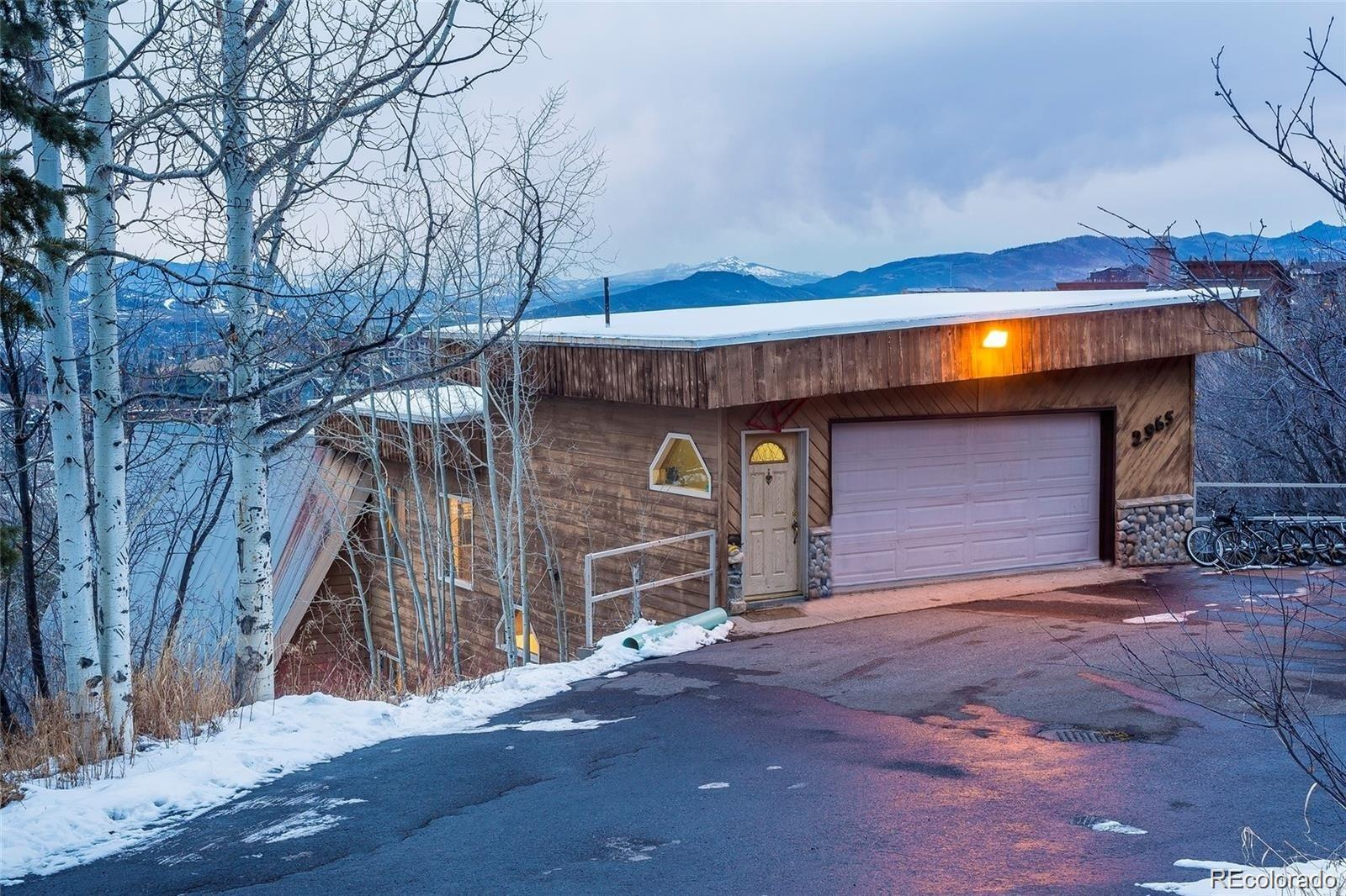 2965 Ski Trail Lane Property Photo 1