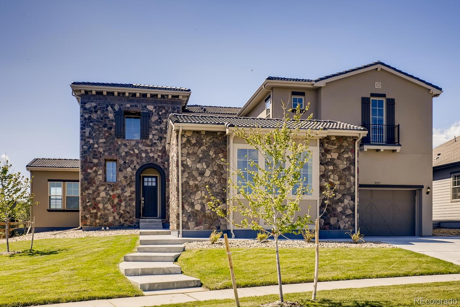 2257 Picadilly Circle Property Photo - Longmont, CO real estate listing