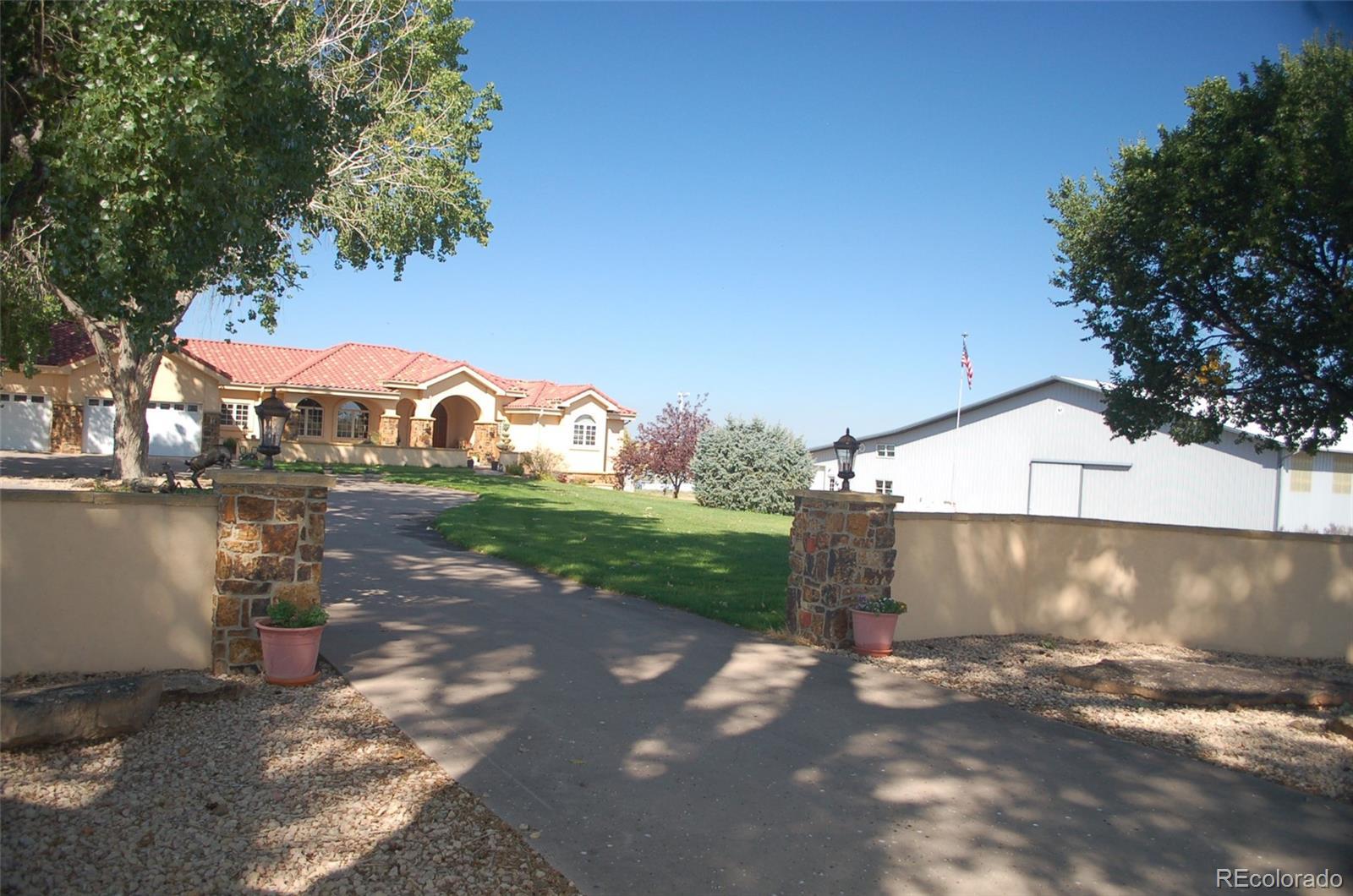 2071 41 1/2 Lane Property Photo - Avondale, CO real estate listing