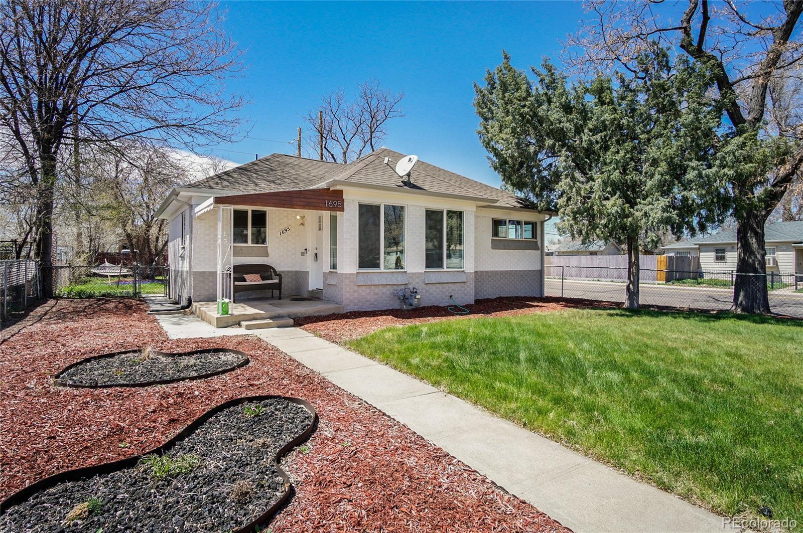 1695 Akron Street Property Photo - Aurora, CO real estate listing