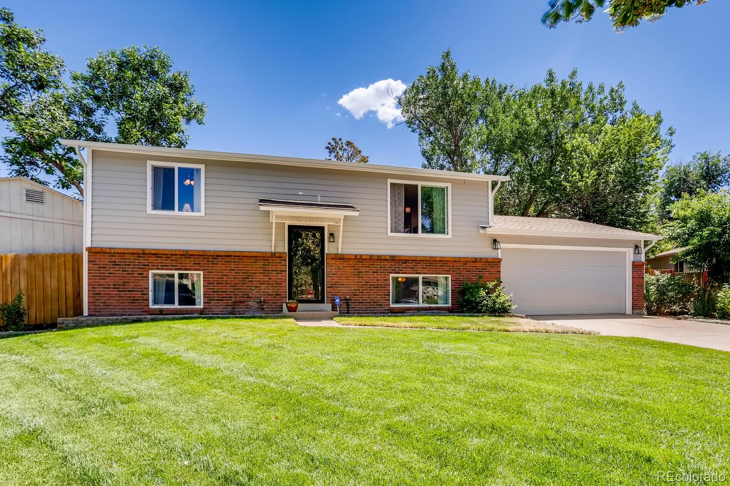 2854 S Ouray Way Property Photo - Aurora, CO real estate listing