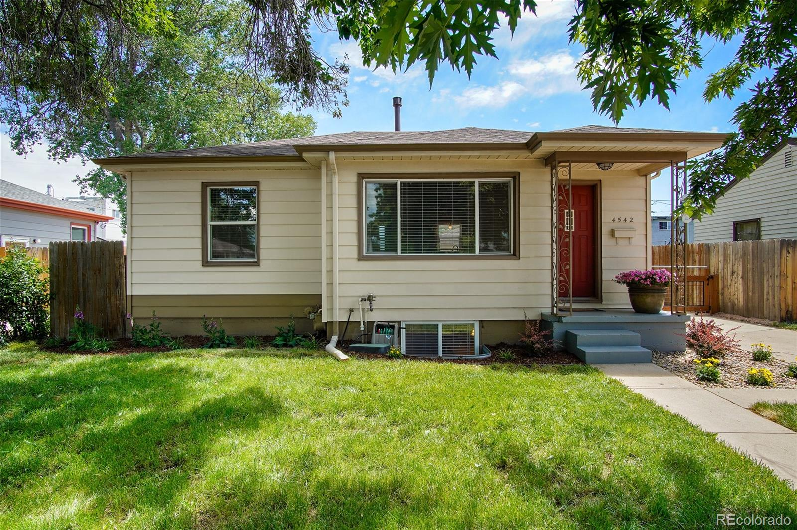 4542 S Acoma Street Property Photo - Englewood, CO real estate listing