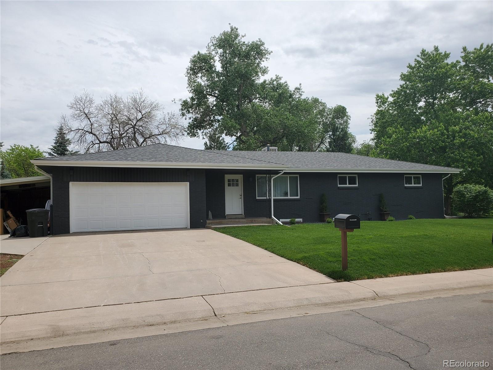 820 S Everett Street Property Photo - Lakewood, CO real estate listing