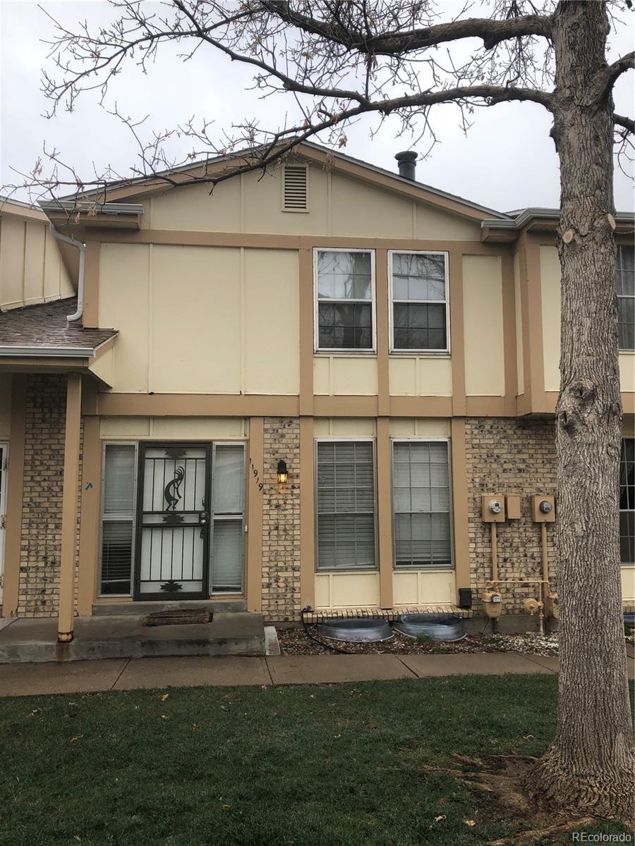 11919 E Canal Drive Property Photo - Aurora, CO real estate listing