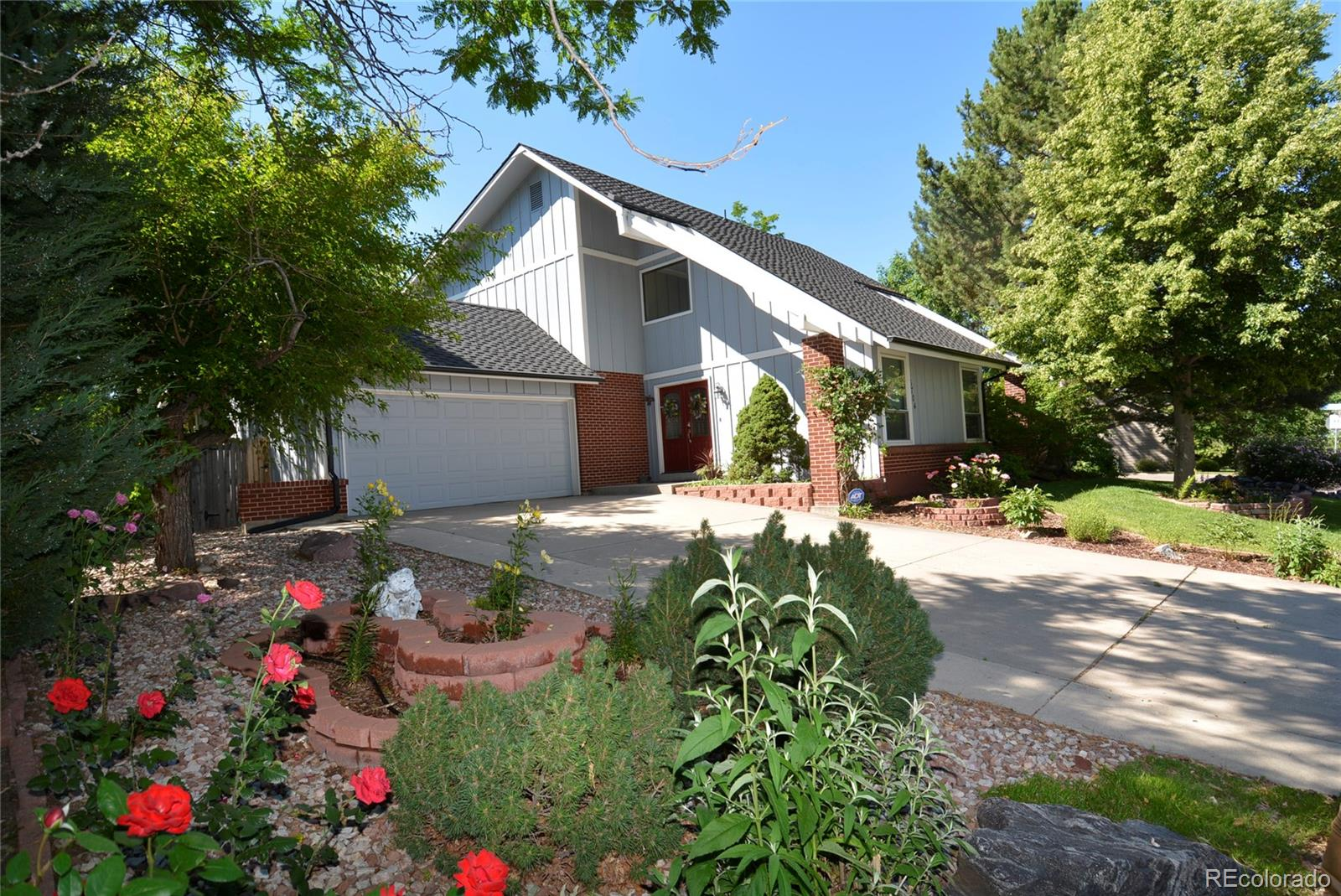 6704 E Long Avenue Property Photo - Centennial, CO real estate listing