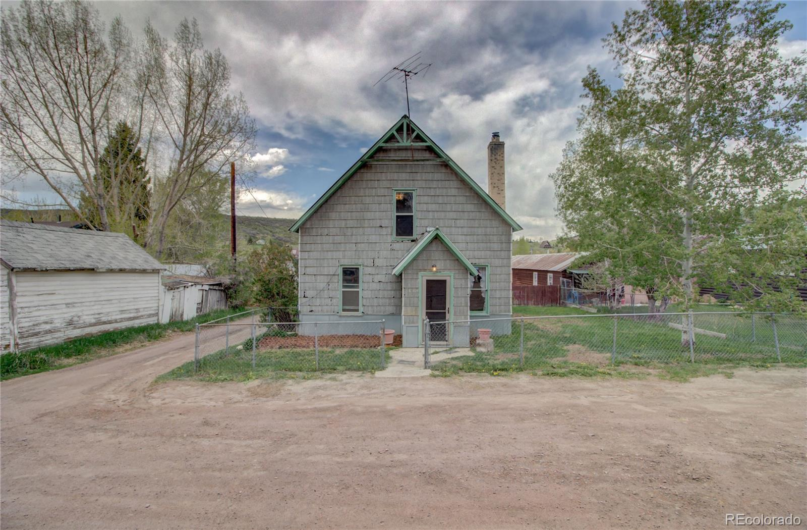 109 E Williams Property Photo 1