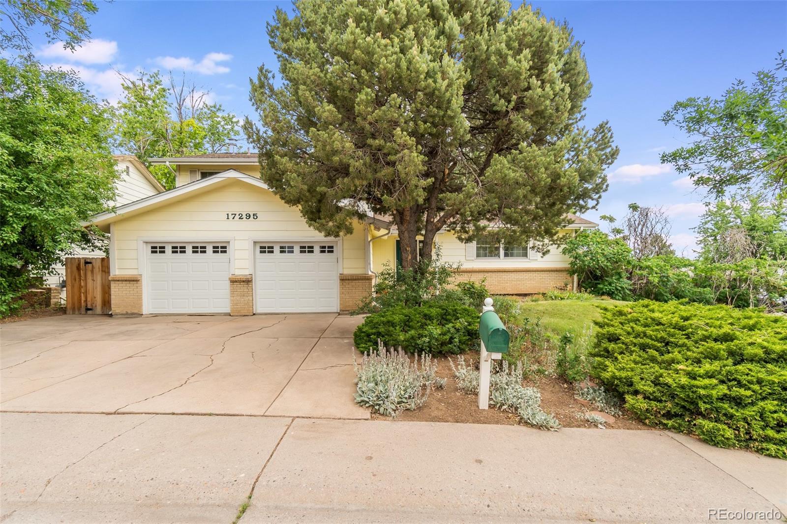 17295 E Brown Circle Property Photo - Aurora, CO real estate listing