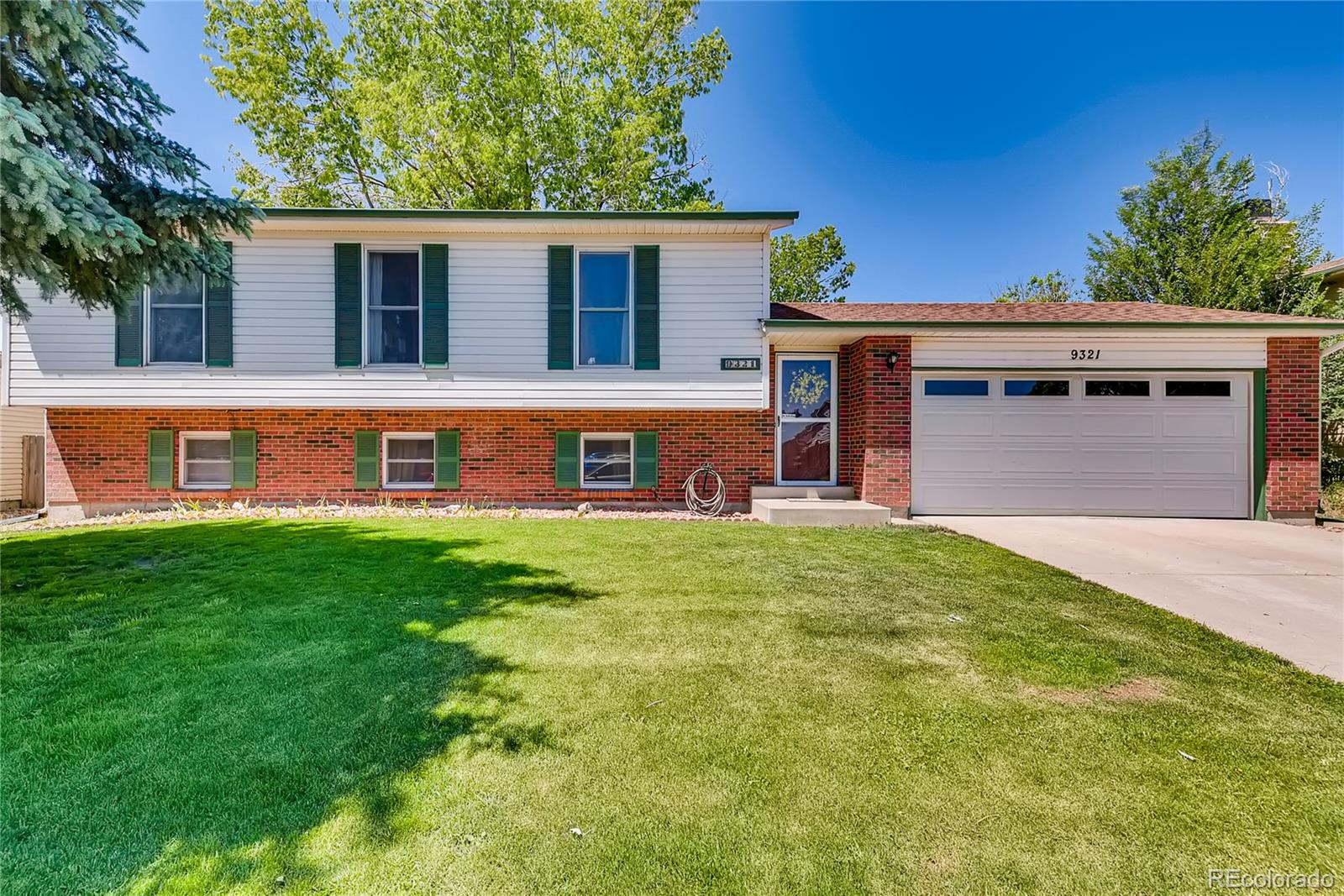 9321 Bellaire Drive Property Photo - Thornton, CO real estate listing