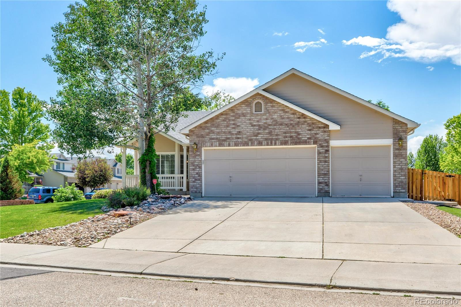 2303 Flagstaff Drive Property Photo - Longmont, CO real estate listing