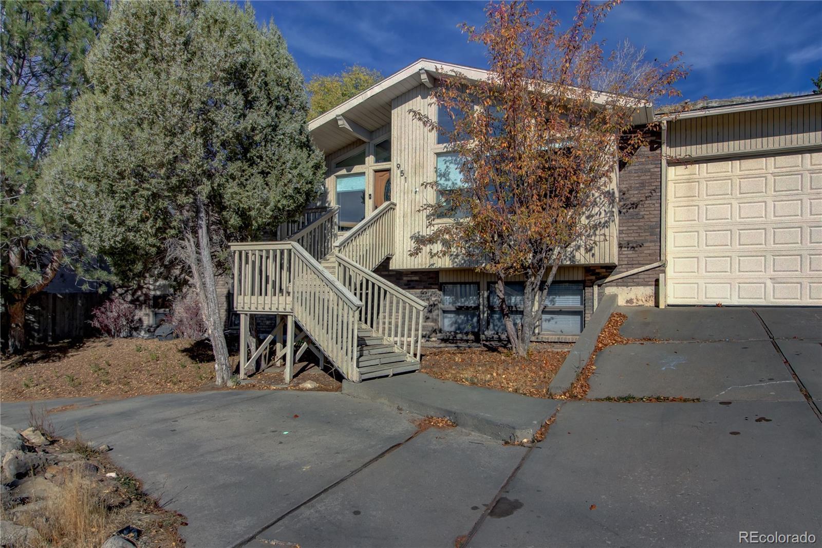 951 Alta Vista Drive Property Photo 1