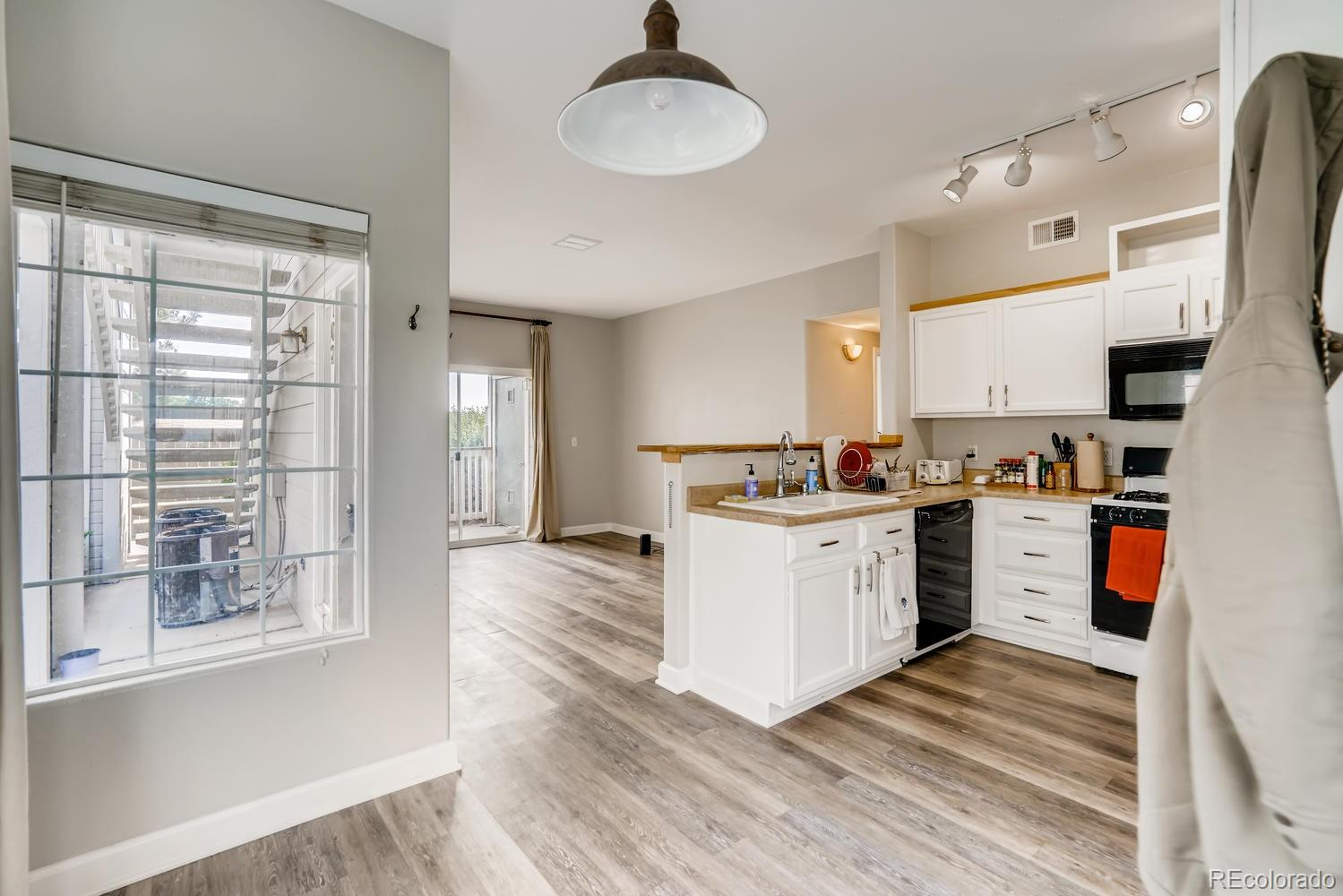 8445 Pebble Creek Way #102 Property Photo - Highlands Ranch, CO real estate listing