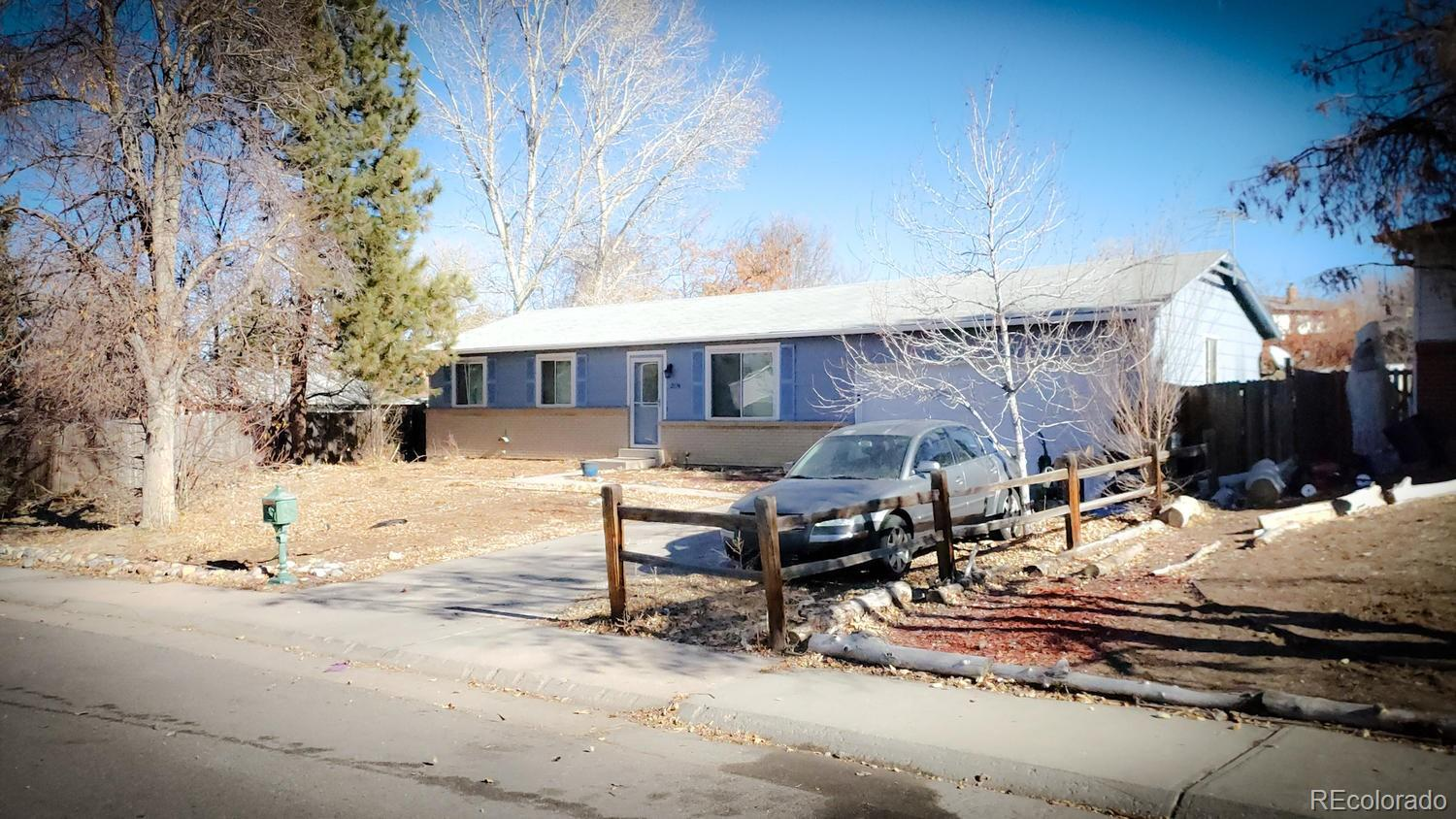 2874 S Ouray Way Property Photo - Aurora, CO real estate listing