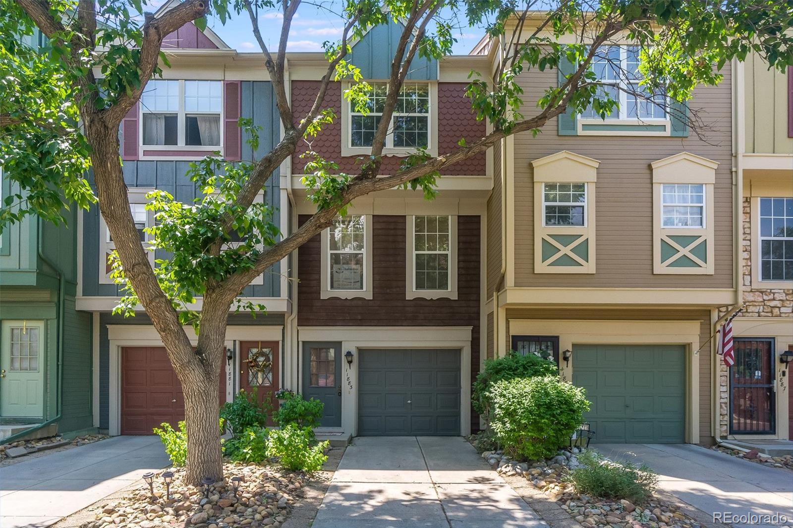 11883 E Kepner Drive Property Photo - Aurora, CO real estate listing