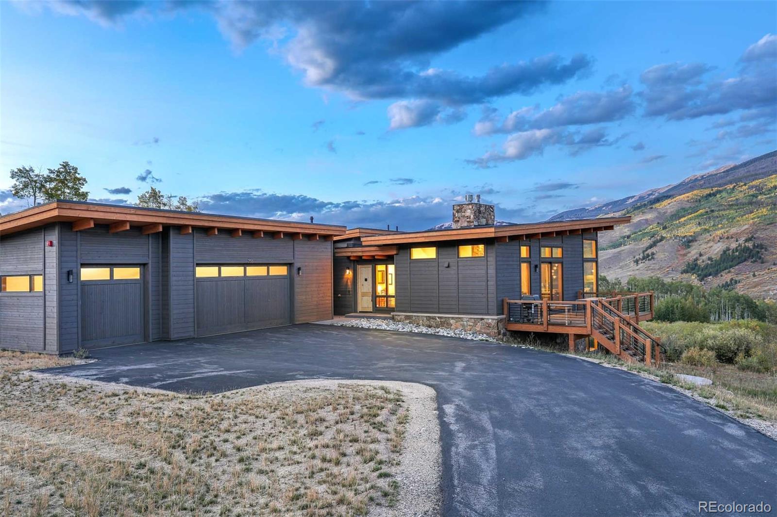 257 McKay Place Property Photo 1