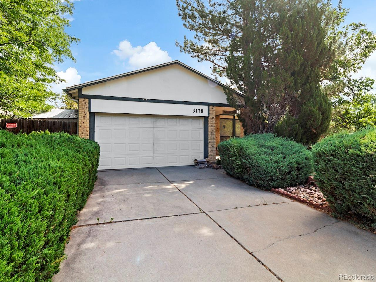 3178 S Kittredge Way Property Photo - Aurora, CO real estate listing