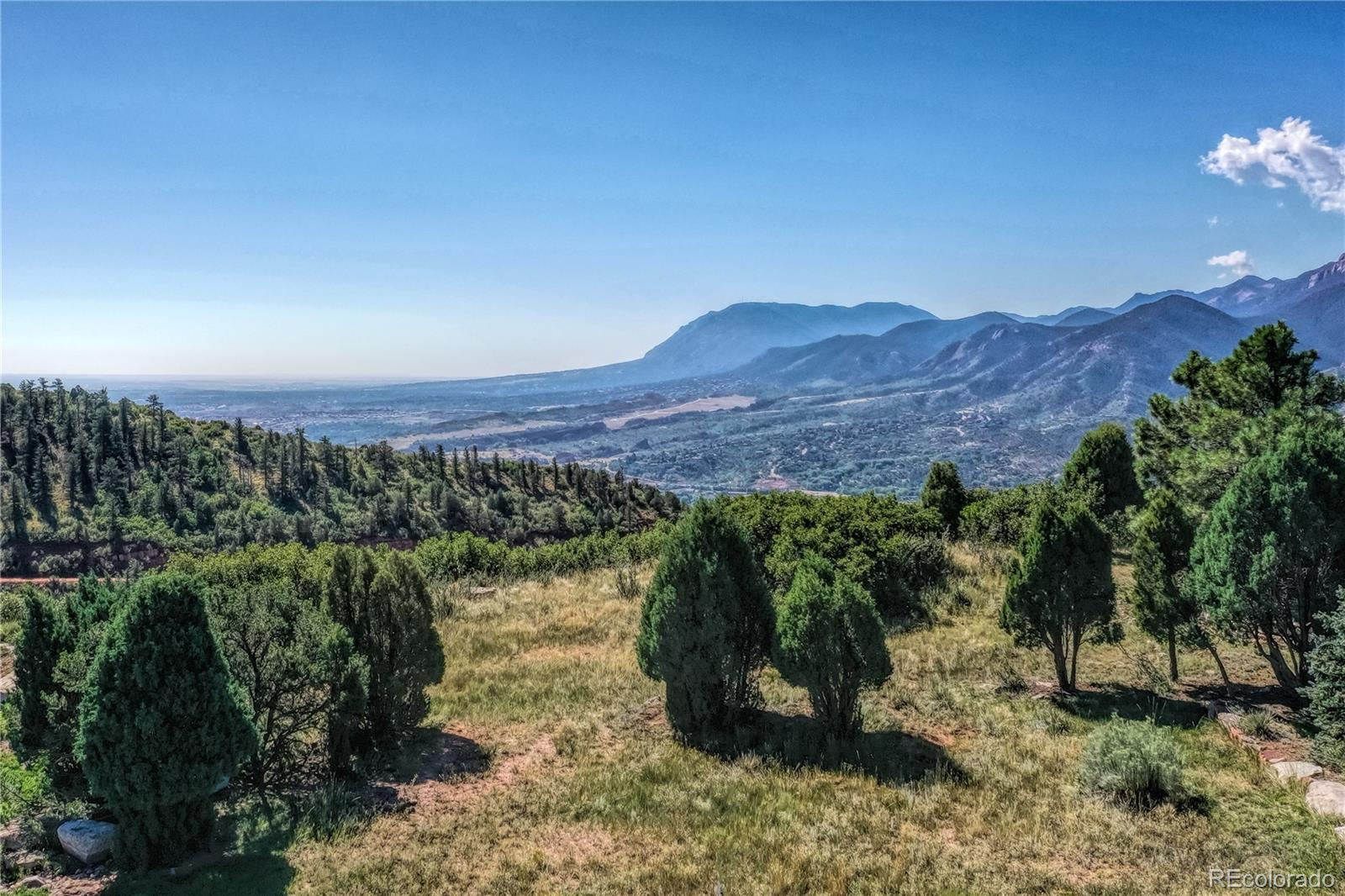 3610 Twisted Oak Circle Property Photo - Colorado Springs, CO real estate listing