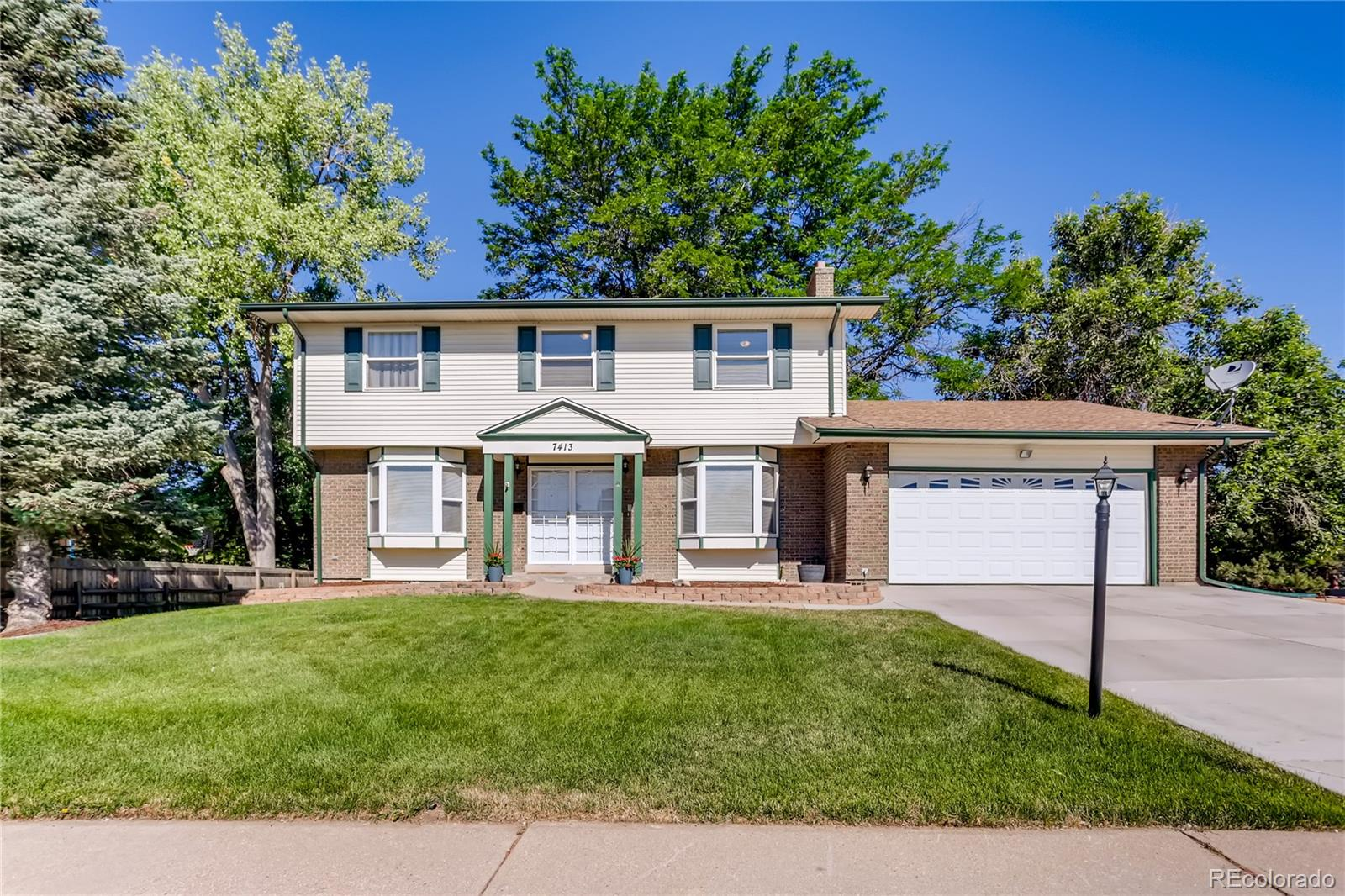 7413 S Quince Street Property Photo - Centennial, CO real estate listing