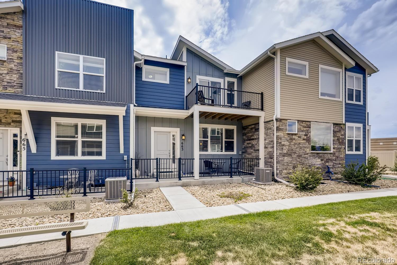 663 Robert Street Property Photo - Longmont, CO real estate listing