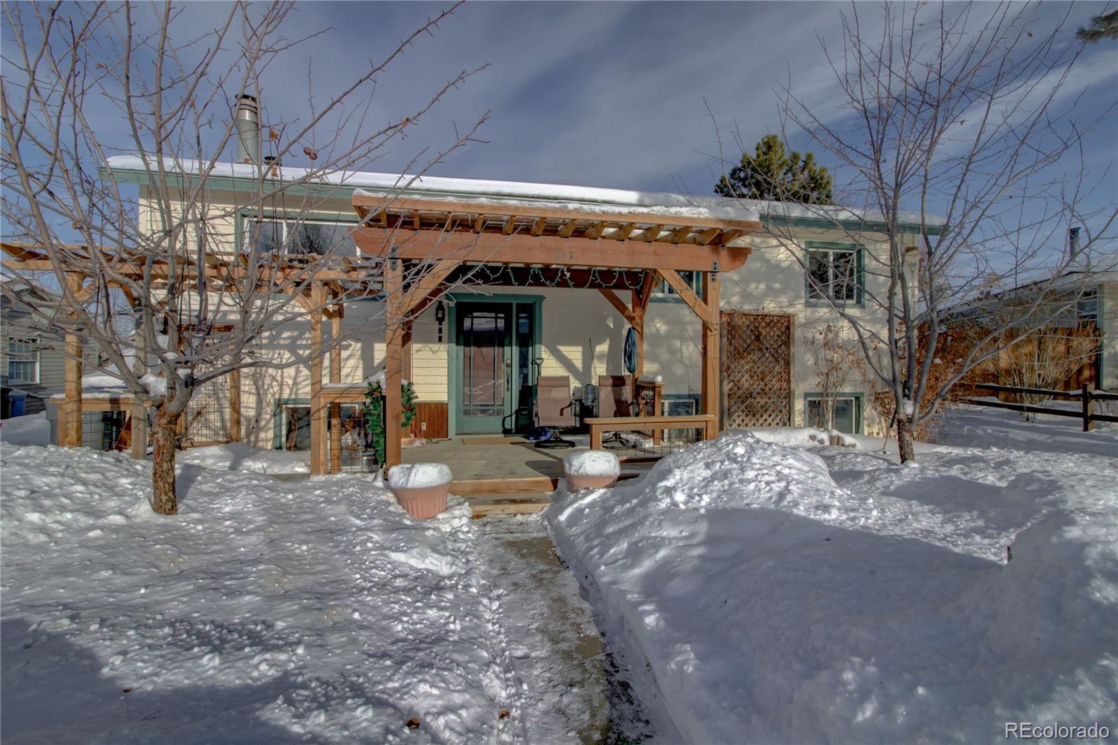 397 S Pine Street Property Photo