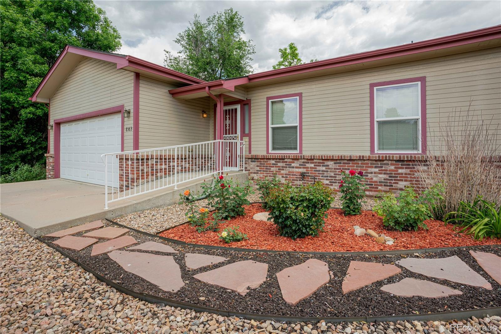 8563 W 48th Place Property Photo - Arvada, CO real estate listing