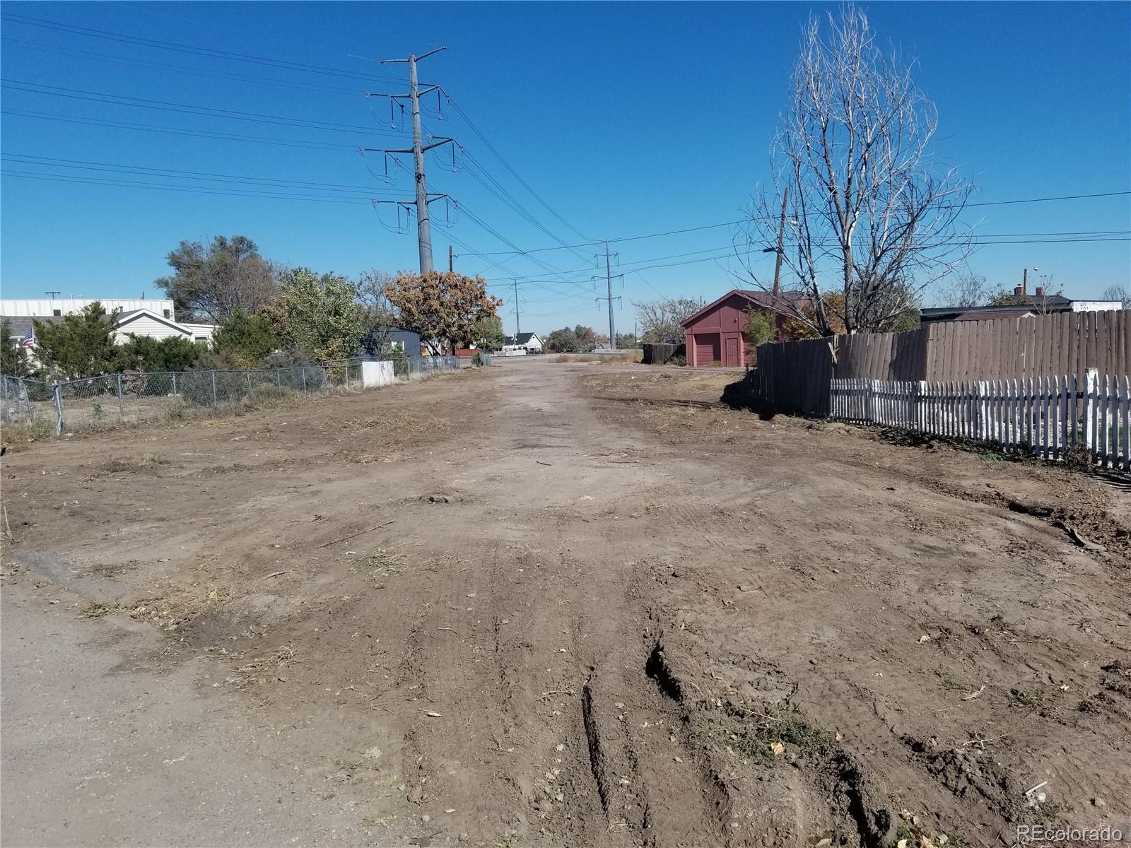 4770 N Leaf Court Property Photo - Denver, CO real estate listing
