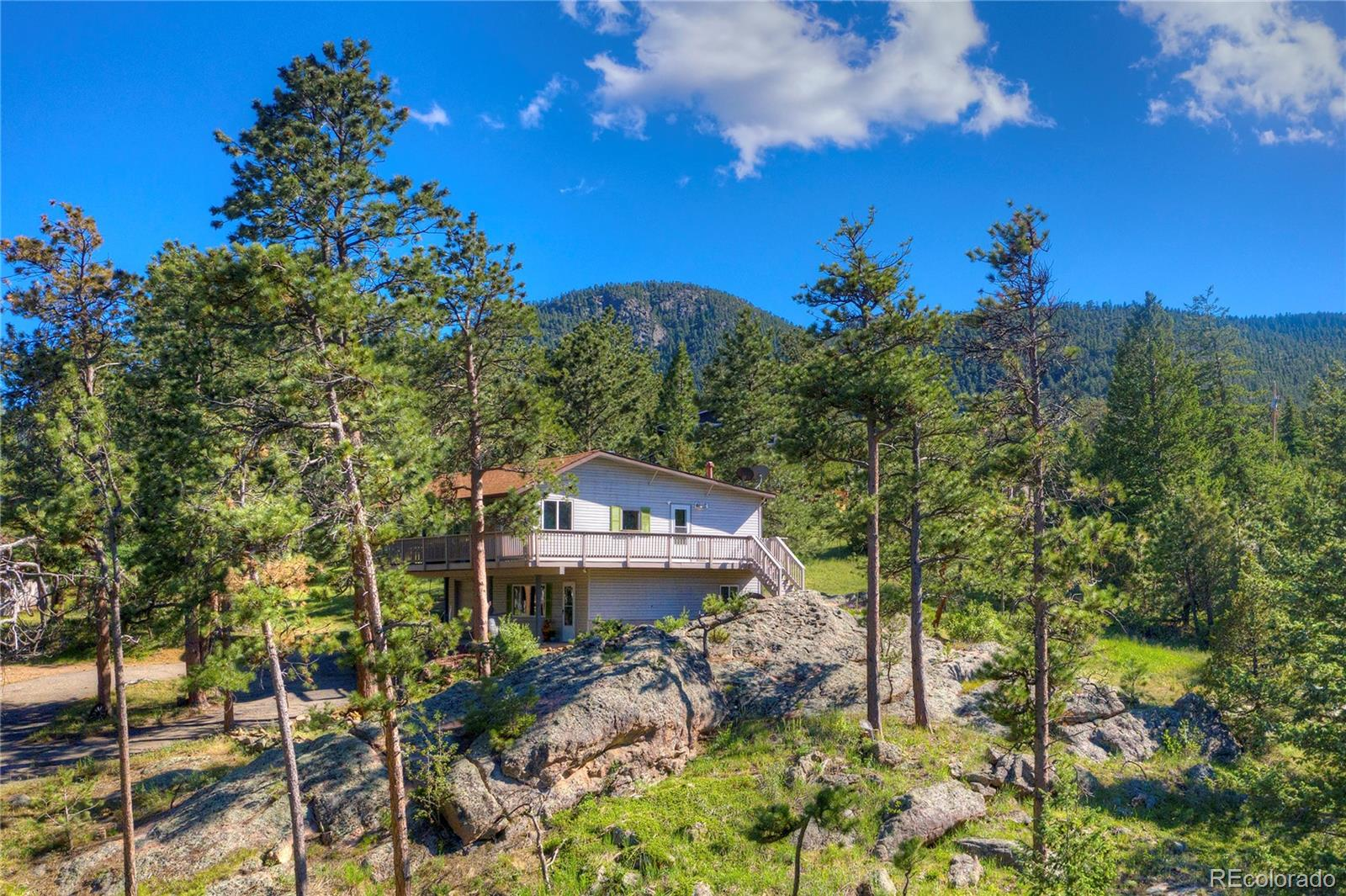 544 Apache Property Photo - Lyons, CO real estate listing