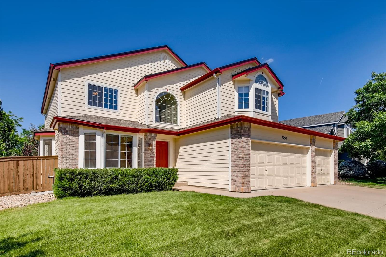 9758 S Bexley Drive Property Photo - Highlands Ranch, CO real estate listing