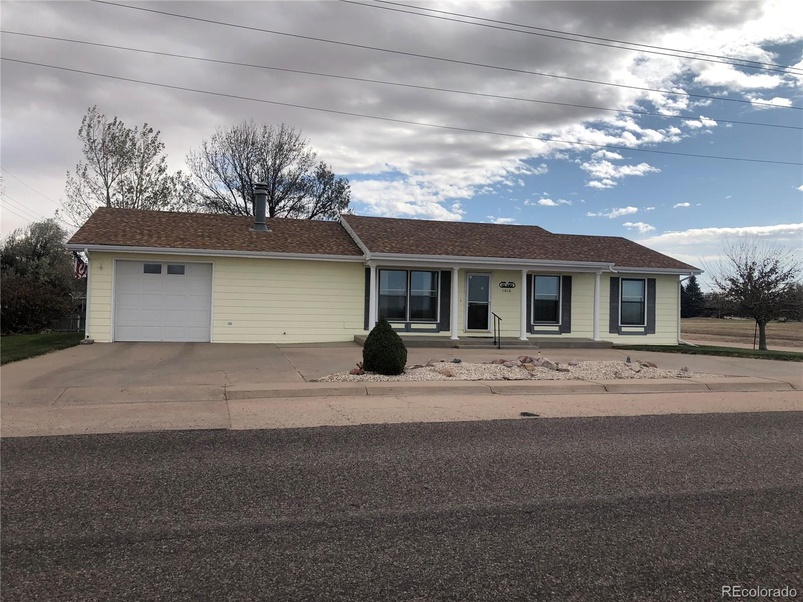 1016 W 2nd Avenue, Yuma, CO 80759 - Yuma, CO real estate listing