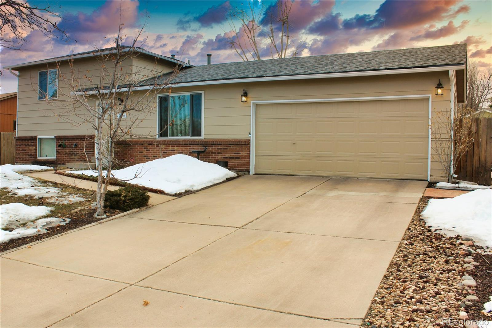 15564 E Floyd Avenue Property Photo - Aurora, CO real estate listing
