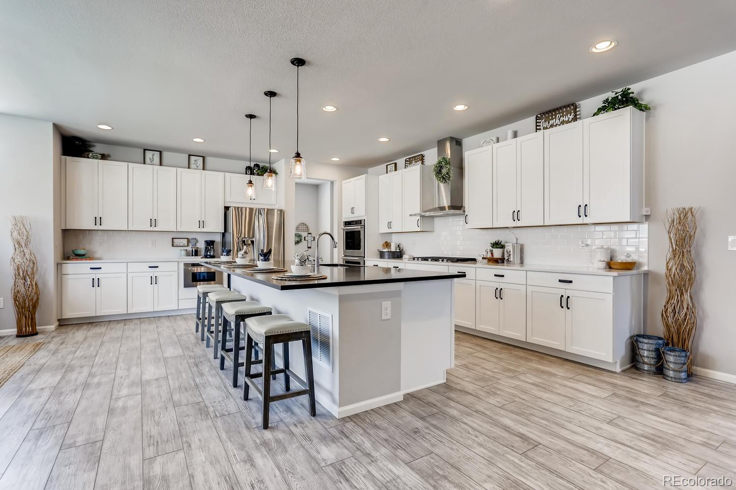 7084 S Shady Grove Court Property Photo - Aurora, CO real estate listing